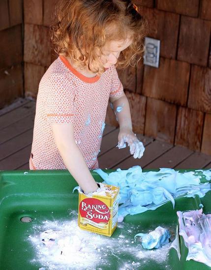 Divertidas y desastrosas actividades para hacer al aire libre con los niños