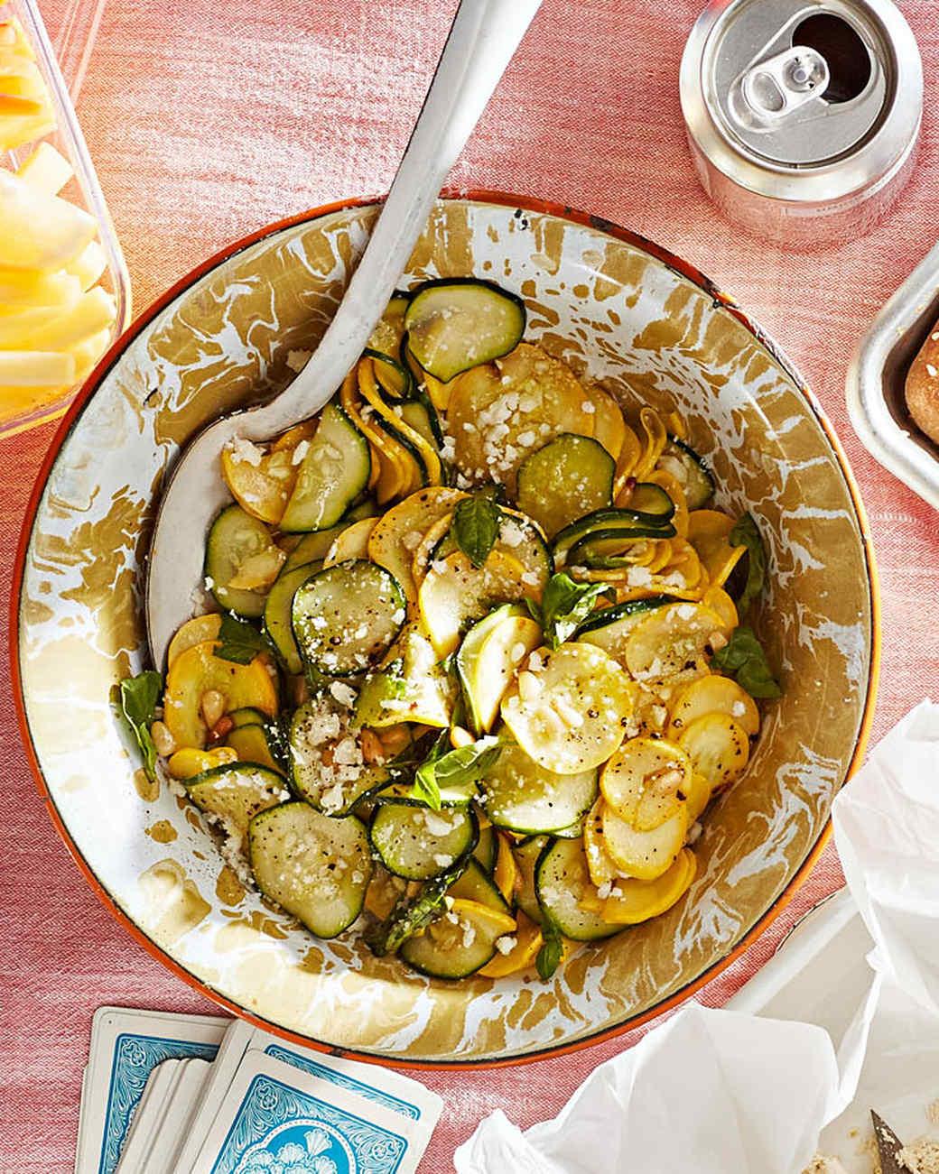 Deliciosa ensalada de calabacín para hacer en casa
